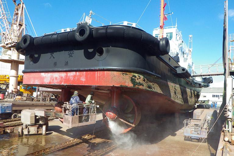 船底の掃除と塗装