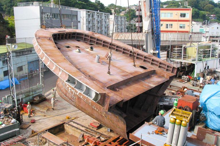 各種搭載(マスト、上部構造、Zペラ、甲板機、エンジンなど)